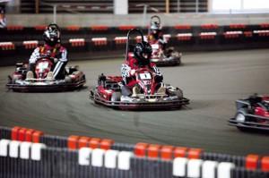 Er konfirmanden til fart og spænding og racerløb? Et gavekort til at køre go-kart ræs kan erhverves for kr. 330-600