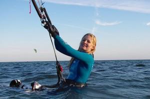 Er konfirmanden aktiv kunne et kitesurfing-kursus være et alternativ til de gængse gaver. 4 timers kursus i denne seje disciplin. Kun 995 kr.