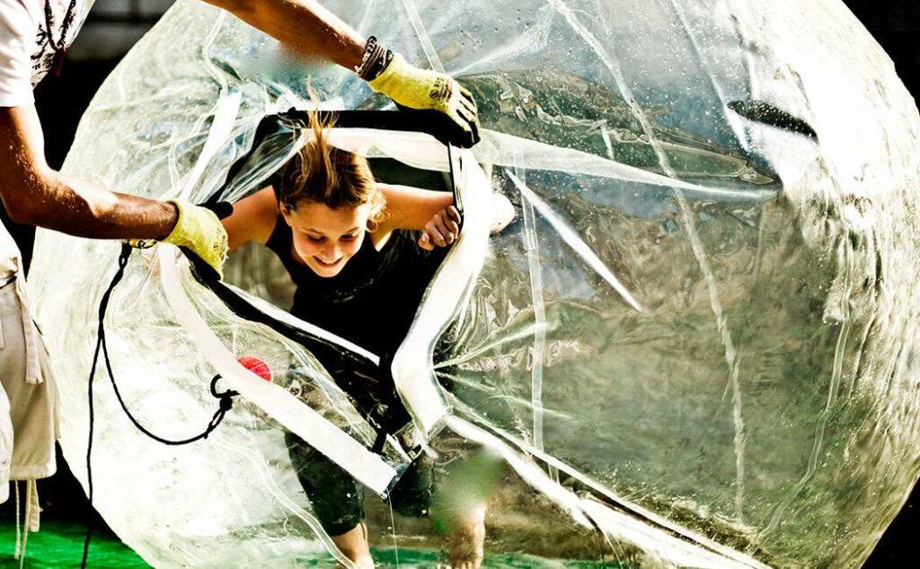 gå på vandet funballs oplevelse for børn oplevelsesgave til børn
