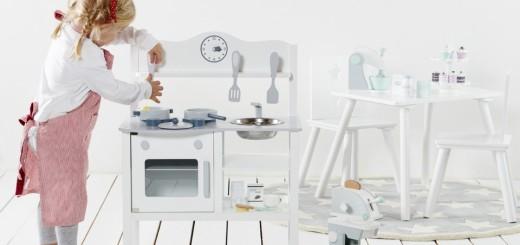 Gaveidéer, gave, julegave, julegaver, fødselsdagsgave, gaveinspiration, gave til den lille kok, kids koncept køkkenudstyr, legetøjskøkken, Kids concept køkken, børnekøkken, køkken til børn, legekøkken