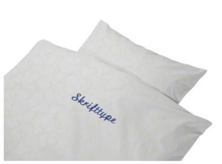 sengetøj med navn babysengetøj med broderi sengetøj med broderet navn i dåbsgave med navn barnedåb gave
