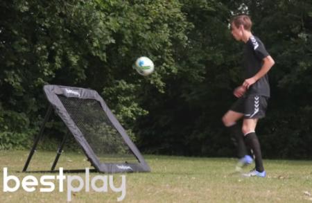 rebounder fodboldtræning i haven fodboldgave gave til fodboldspiller
